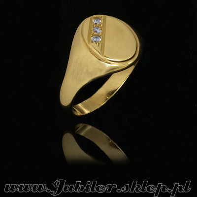 Gold signet ring with zircons