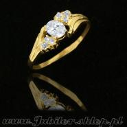 Gold rings with zircons